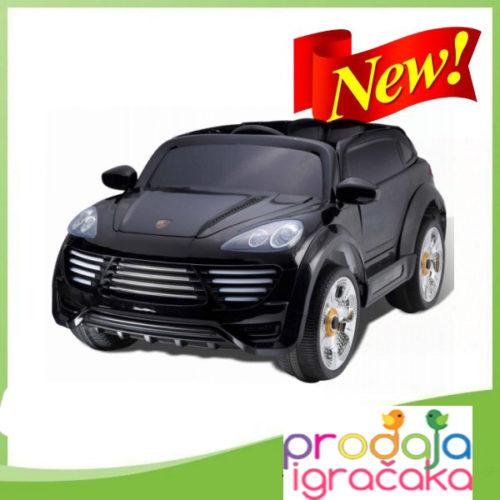 A1018-AUTOMOBIL-NA-AKUMULATOR-CRNI-02